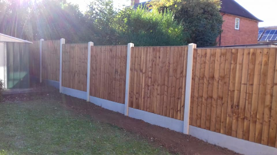 Nottingham Fencing new wooden fence with concrete post in Beeston